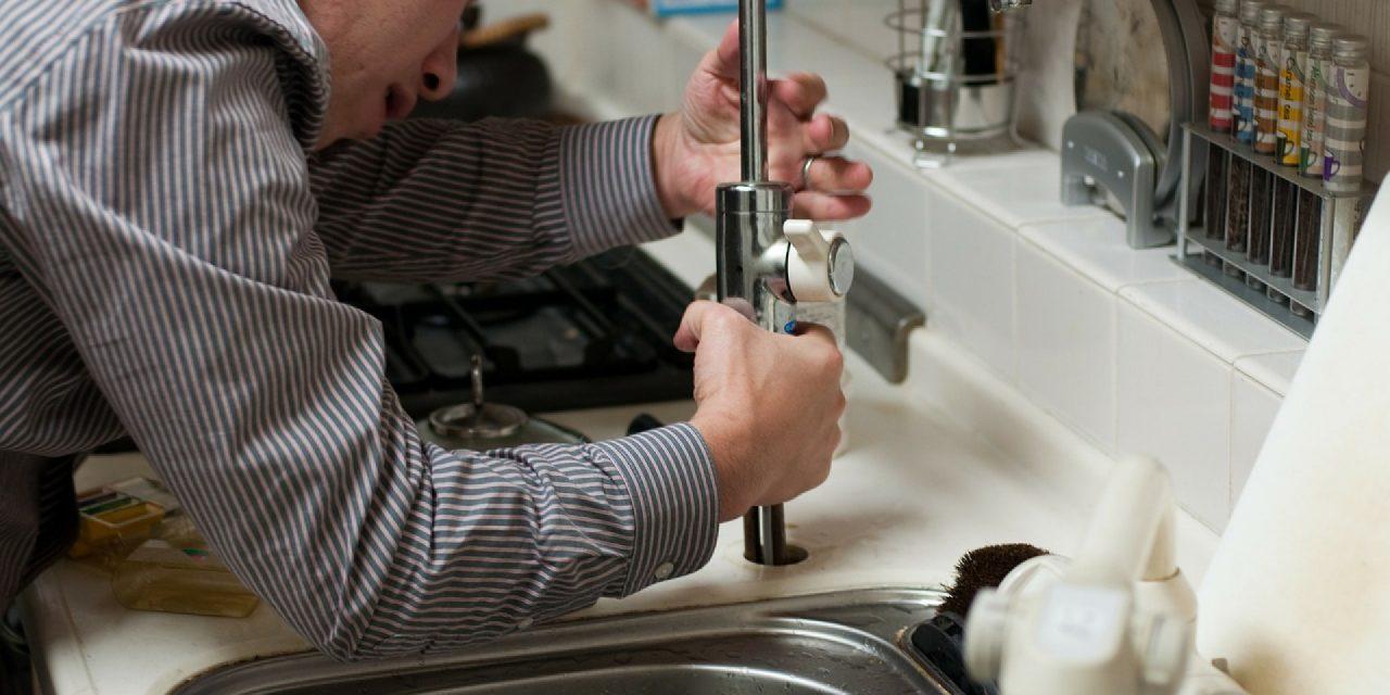 Choisir un plombier : les informations à connaître