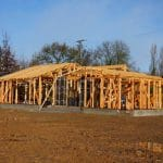 Isoler une maison à ossature bois : que recommander à vos clients ?