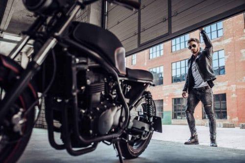 reglementations-equipements-monde-moto-dans